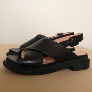 Robert Clergerie Caliente Sandals. Size 38 EUR.